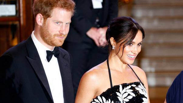 الأمير هاري وزوجته ميجان سينتقلان لوندسور قبل وضع أول مولود
