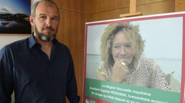 """Depuis le Sahel, le fils de Sophie Pétronin demande à Macron de """"clarifier sa position"""""""