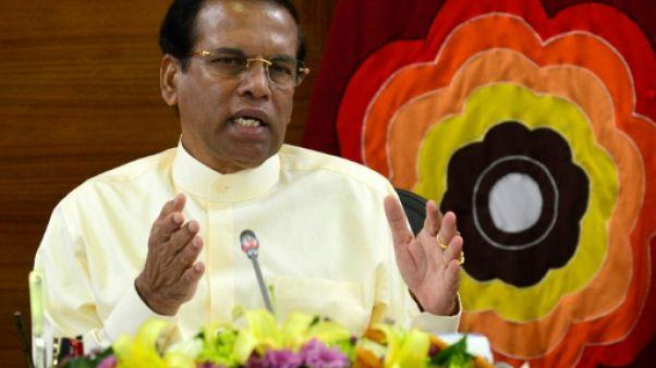 Sri Lanka : le président promet de ne jamais reprendre le Premier ministre limogé