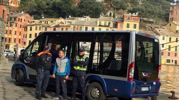 Bus a Portofino tra il borgo e Santa