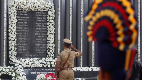India pays tribute to victims on 10th anniversary of Mumbai attacks
