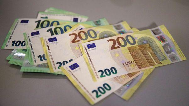 اليورو يواصل مكاسبه بدعم إيطاليا والأسهم