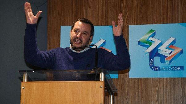 Salvini, non ci attacchiamo a 0,1%