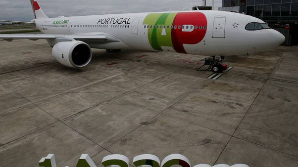 Airbus delivers first A330neo in Boeing 787 dogfight