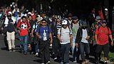 Les réseaux sociaux, espoir des migrants d'échapper à la rapacité des passeurs