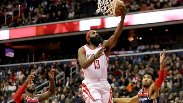 NBA: les Rockets de Harden butent contre le collectif de Washington