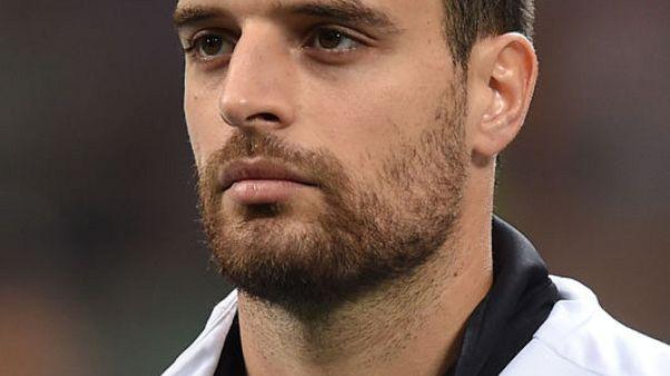بونافنتورا لاعب وسط ميلانو يغيب لنهاية الموسم بعد جراحة في الركبة
