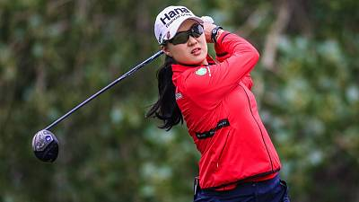 Lee becomes first woman to win Australia's Greg Norman Medal