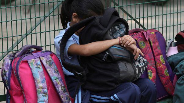 حكومة الهند تنتقد الحقائب المدرسية الثقيلة والواجبات المنزلية