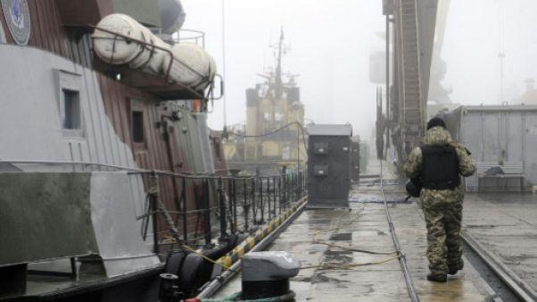 Ukraine: le président Porochenko promulgue la loi martiale
