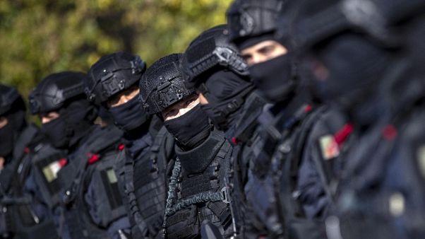 Terrorismo, voleva usare armi chimiche