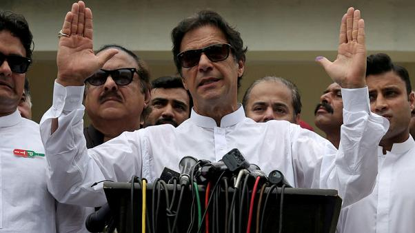 Pakistan PM says his party, army 'on one page' to mend India ties