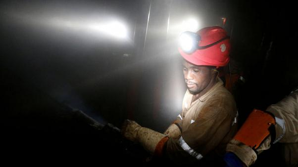 Lonmin posts full year profit, compared to year-ago loss; warns on Sibanye deal closing
