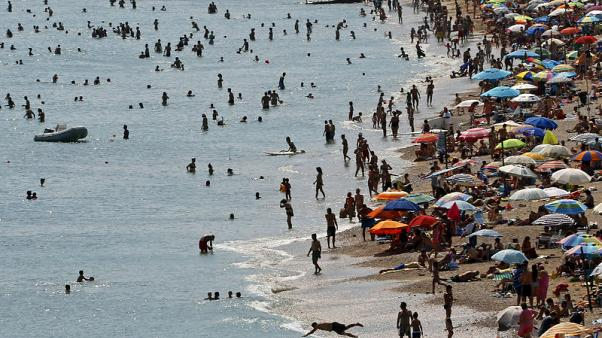 Global temperatures on track to rise 3-5 degrees by 2100 - U.N.