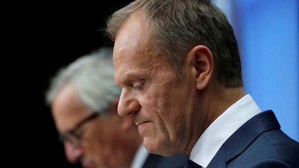 توسك: الاتحاد الأوروبي سيمدد عقوبات روسيا في ديسمبر