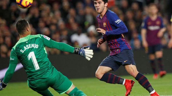 Barcelona see off Villarreal to return to top of La Liga