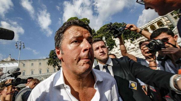 Renzi, un partito con Berlusconi? Falso