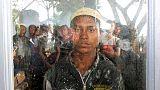 مسؤولون يقولون إن قاربا يقل لاجئين من الروهينجا وصل إلى إندونيسيا