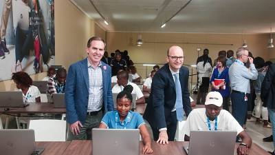 CORRECTION: HP Commits to Educate 100,000 Across Africa in the Next Three Years, Opens HP LIFE Center for Entrepreneurship in South Africa