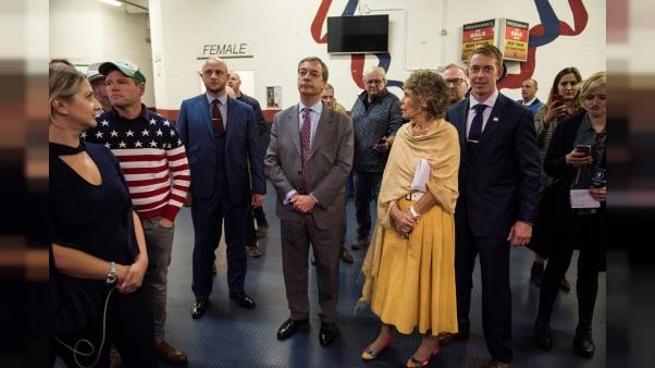 GB : héraut du Brexit, Nigel Farage quitte le parti europhobe Ukip