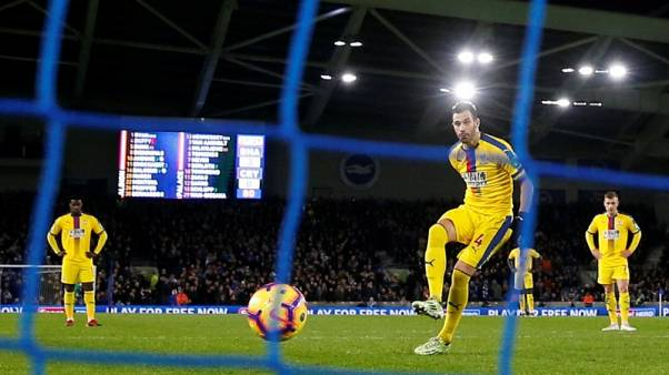 Brighton reduced to 10 but still swat aside poor Palace in southern derby