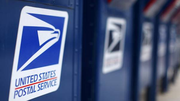 Trump panel wants to give USPS right to hike prices for Amazon, others