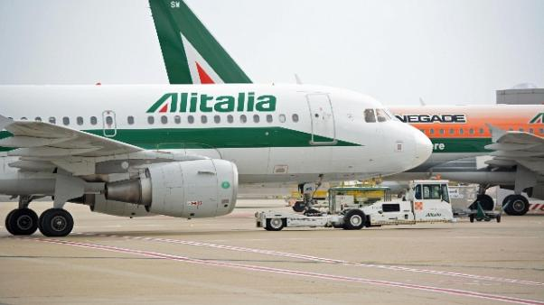 Alitalia: Di Maio, rinviare prestito