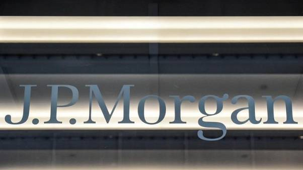 JP Morgan targets mid-sized firms in challenge to European banks