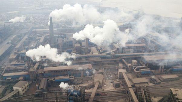 Des cheminées d'usines à Hancheng, le 17 février 2018 en Chine