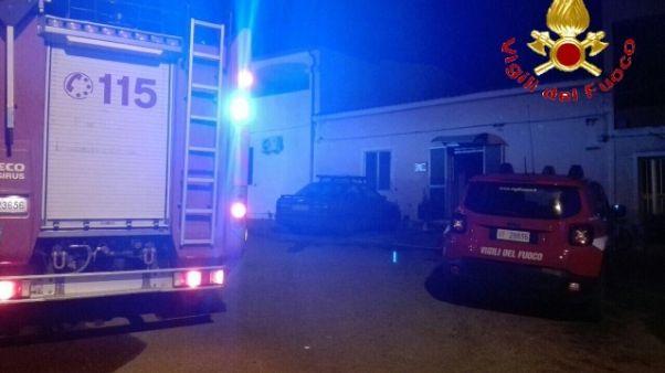 Bomba esplode in cortile casa Nuorese
