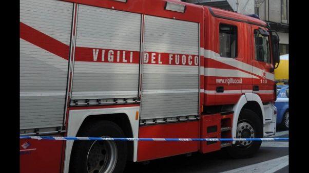 Incendio in palazzina a Milano