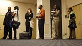 طلبات إعانة البطالة الأمريكية تتراجع أقل من المتوقع