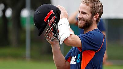 Williamson and Nicholls dig in to put Kiwis on top