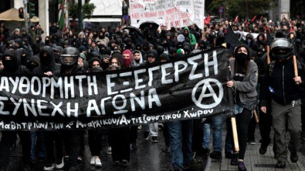 Grèce: manifestations et incidents en mémoire d'un lycéen tué par un policier