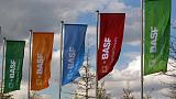 BASF cuts outlook, now sees profits falling 15-20 percent in 2018