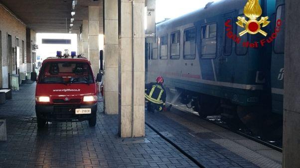 In fiamme locomotore treno,nessun ferito