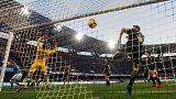 Napoli thrash Frosinone to extend gap in second