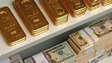 الذهب ينخفض من أعلى مستوى في 5 أشهر مع صعود الدولار