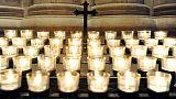 Stop offerte e lumi elettrici in chiesa