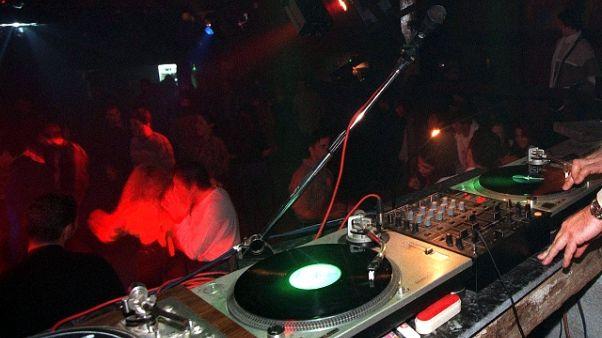 Spray peperoncino in discoteca Mugello