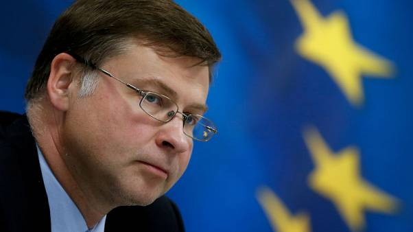EU warns Italy time short to avoid budget disciplinary action