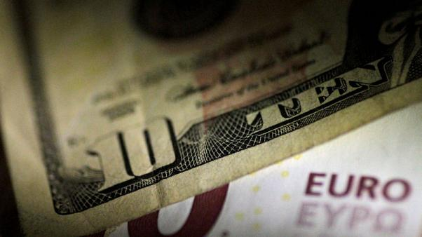 Foreign investors spurn U.S. Treasuries as curve threatens to invert