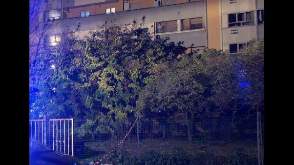 Fiamme in abitazione a Prato, due morti