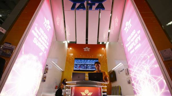 IATA trims airline industry net profit view, sees rebound in 2019