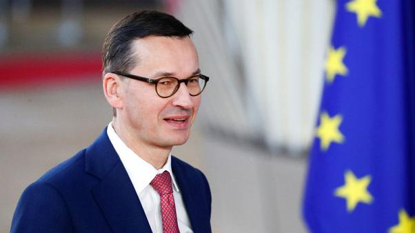 Polish PM calls for confidence vote to strengthen hand before EU meeting