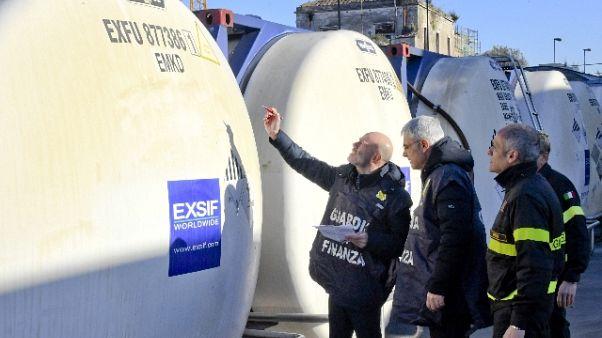 Gasolio spacciato per olio, evaso Fisco