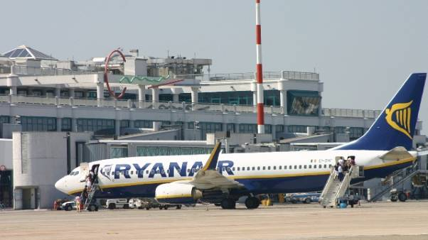 Ritardo volo per Bari, Ryanair risarcirà