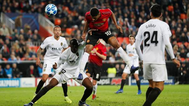 United lose 2-1 at Valencia and blow chance of top spot