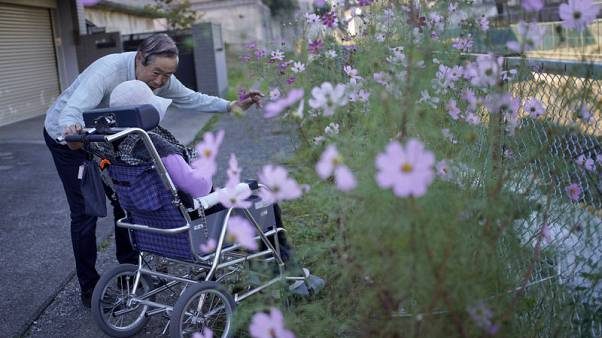 Ageing Japan - Dementia puts financial assets of the elderly at risk