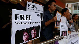 مصاعب في التغطية الميدانية وسجون لقول الحقيقة.. رقم كبير للصحفيين المسجونين بسبب عملهم